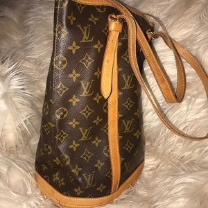 Vintage authentic Louis Vuitton GM bag.